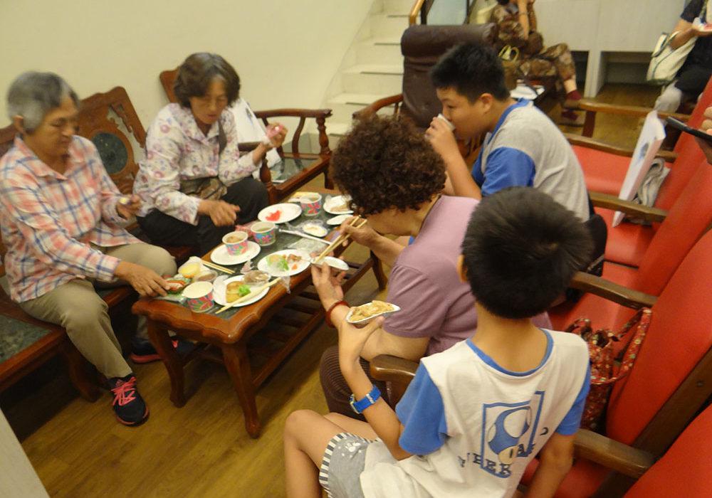 來賓共享餐會